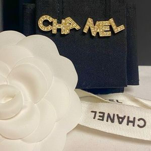 LIMITED EDITION CHANEL 20B EARRINGS✨